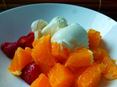Greek coconut Yoghurt Easiyo + fresh fruit